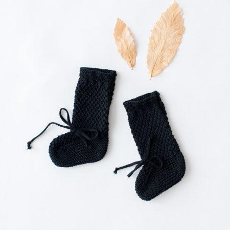 Patucos Botita Negros de hilo hechos a mano